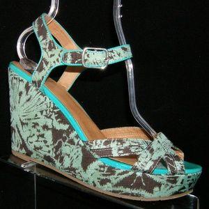 BC Footwear green teal textile buckle wedges 9.5
